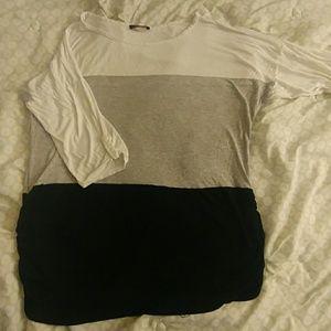 Tops - BOGO FREE SALE! Plus size black/gray/white shirt